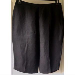 Black linen Bermuda shorts